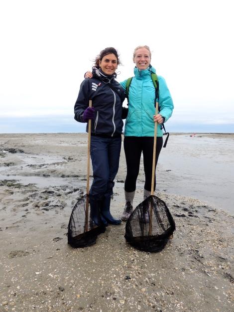Expert mud walking fisherladies