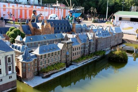 Mini view of the Binnenhof along the Hofvijver lake in Den Haag